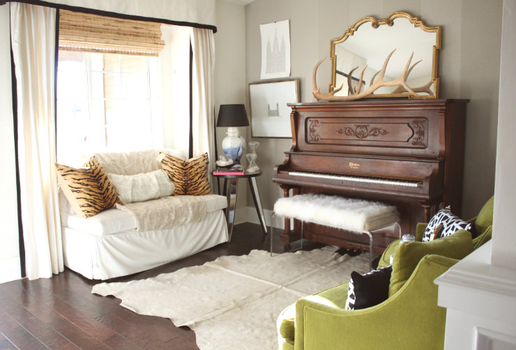 Decorating around a piano emily a clark - How can i decorate my small living room ...