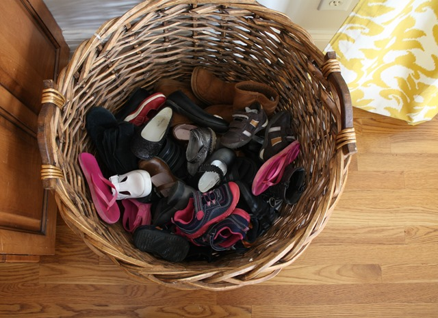 18-shoes-in-kitchen