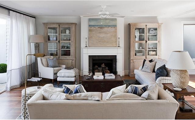40 Beautiful Beachy Living Rooms: A Beautiful Beach House