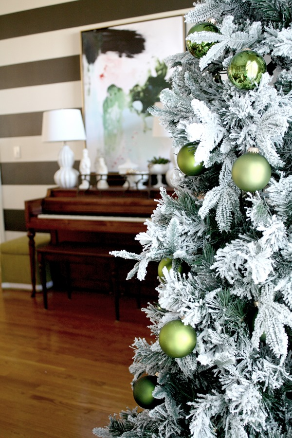 foyer-Christmas-tree
