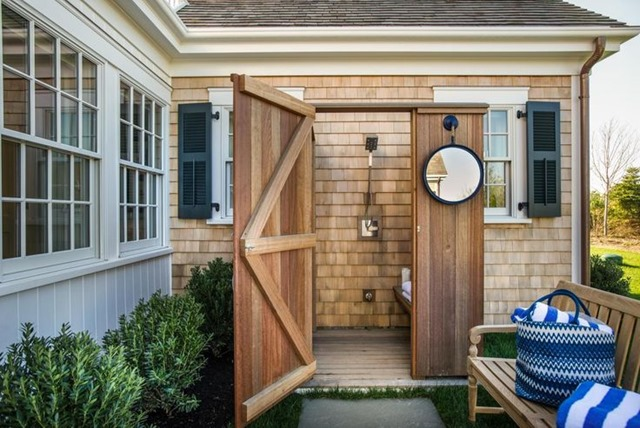 outdoor-shower-HGTV
