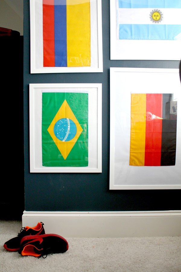 boys-bedroom-flag-wall