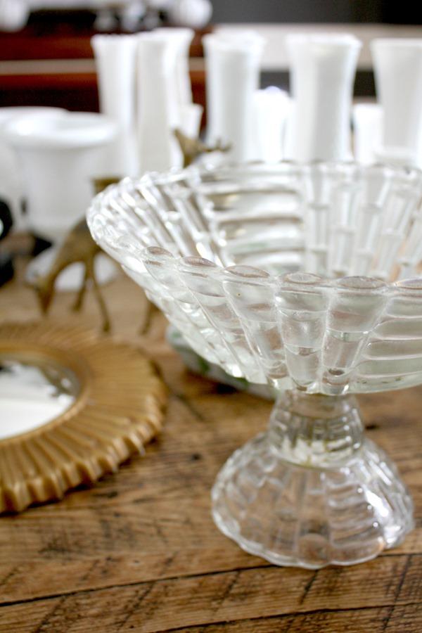 glass-pedestal-bowl