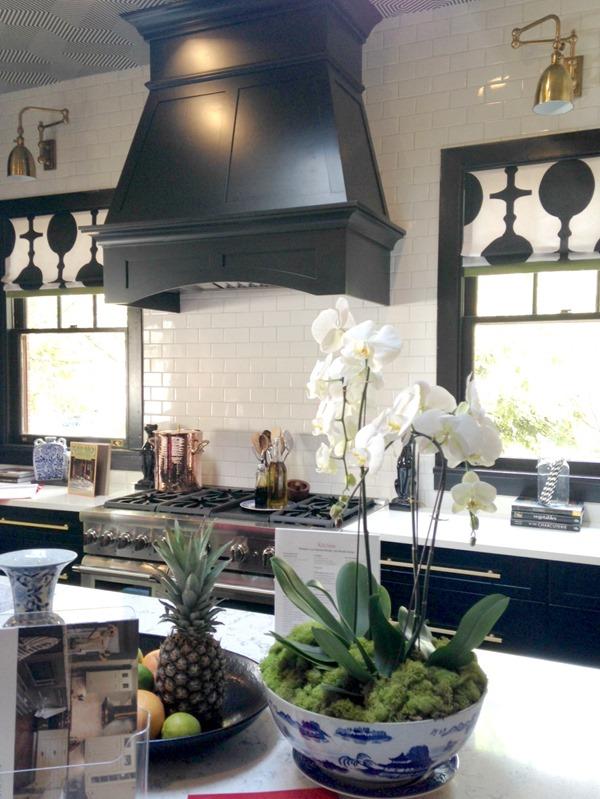 black-white-kitchen