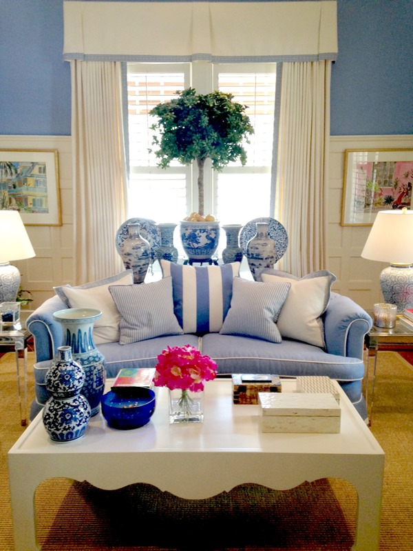 blue-white-living-room1