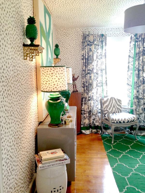 green-black-white-room