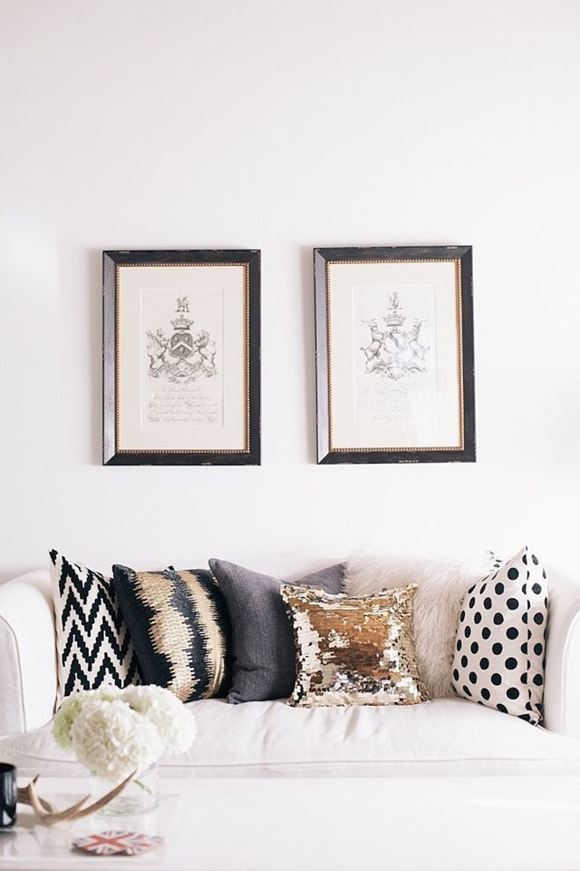 metallic-pillows