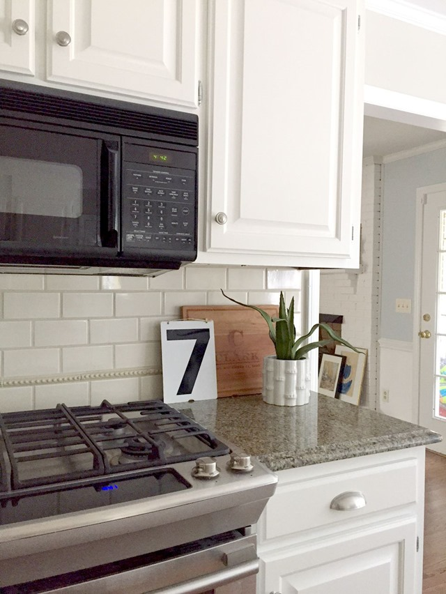 Alabaster cabinets functionalitiesnet for Kitchen colors with white cabinets with flying swallows wall art