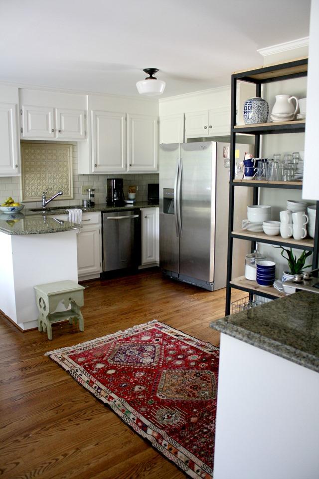 white Colonial kitchen