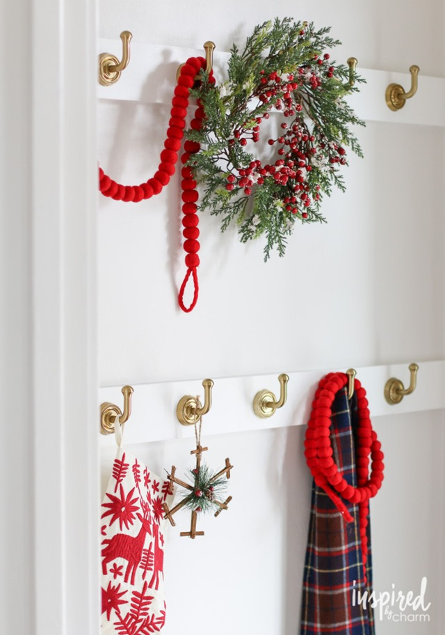 christmas-entryway-718x1024