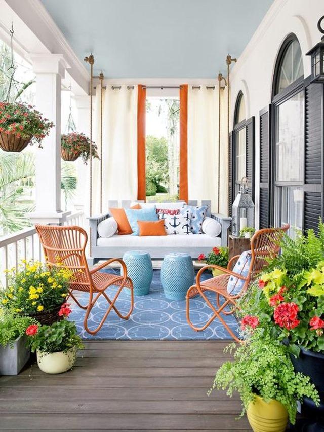 colorful_porch