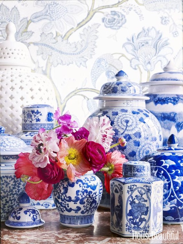 blue_white_jars