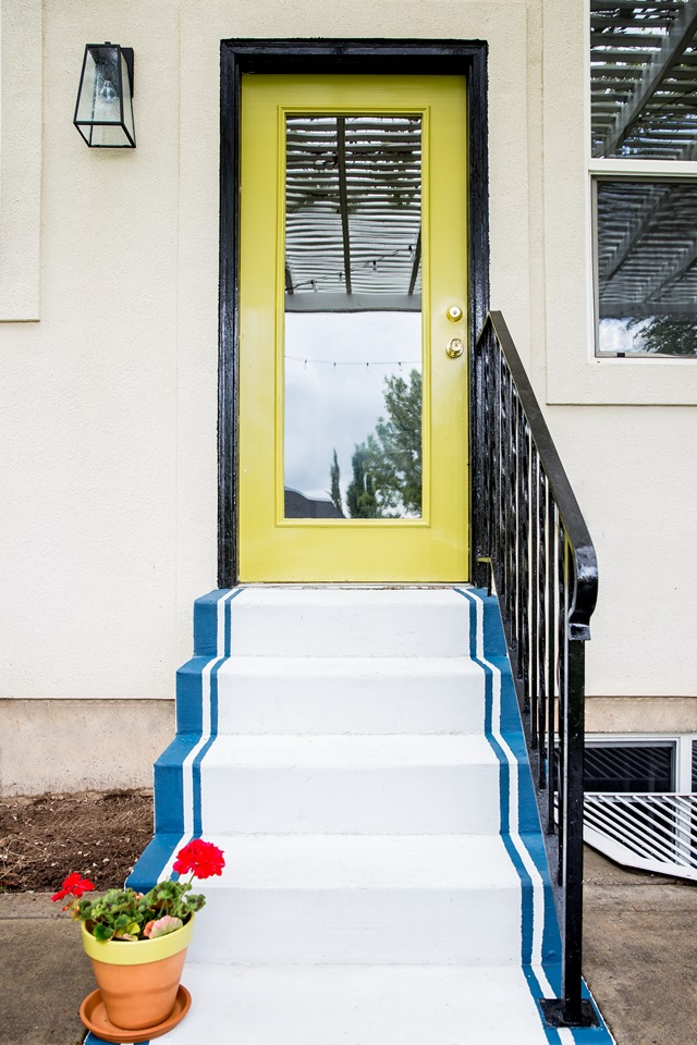 Painted door + concrete steps (Lowe's Spring Makeover)