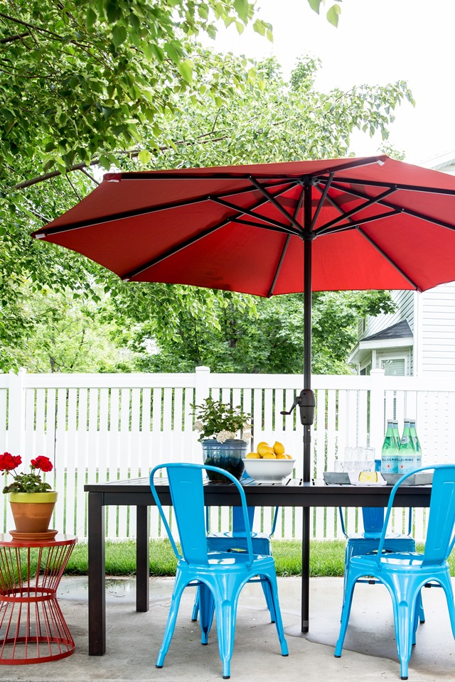 Outdoor dining table + chairs from Lowe's