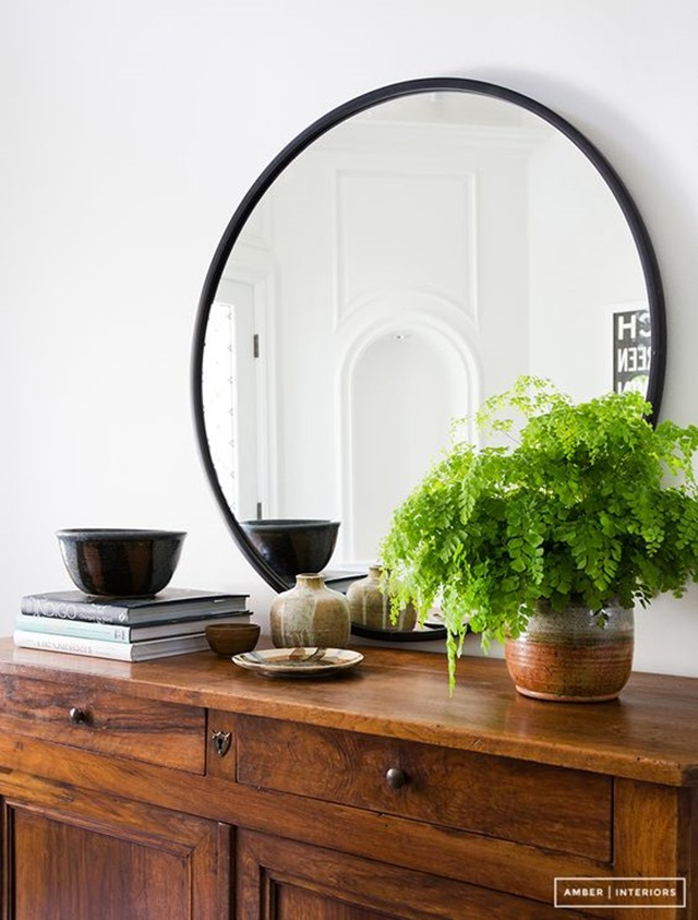 round_mirror_console_styling