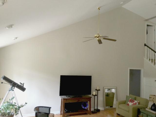 blank-tv-wall