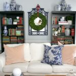 10 Thanksgiving-to-Christmas Wreaths