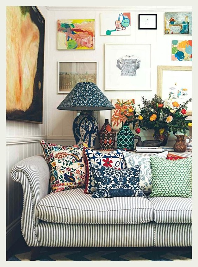 gallery-wall-sofa