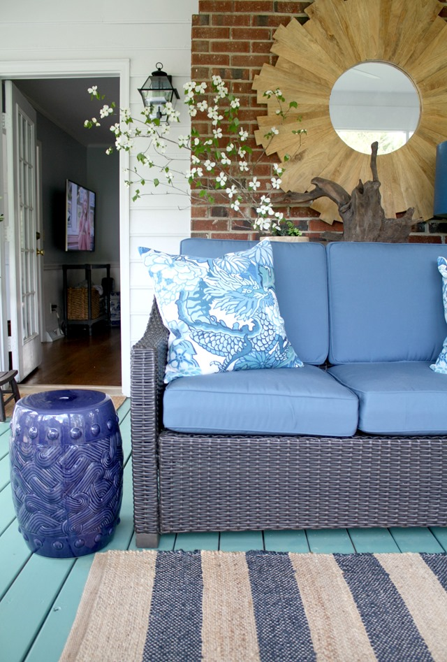 blue-green-outdoor-decorating