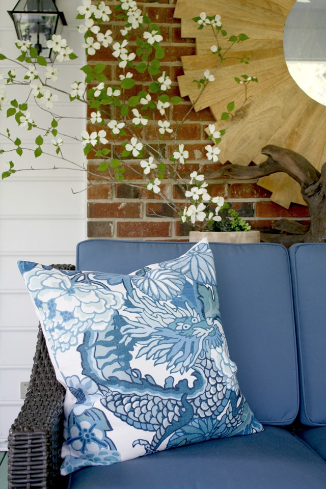 blue-white-pillows-2