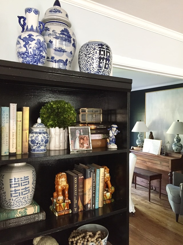 living-room-bookcase-styling