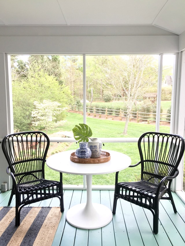 porch-table-chairs