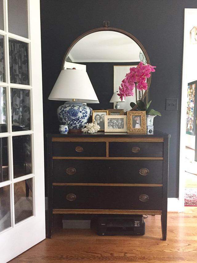 vignette-antique-chest
