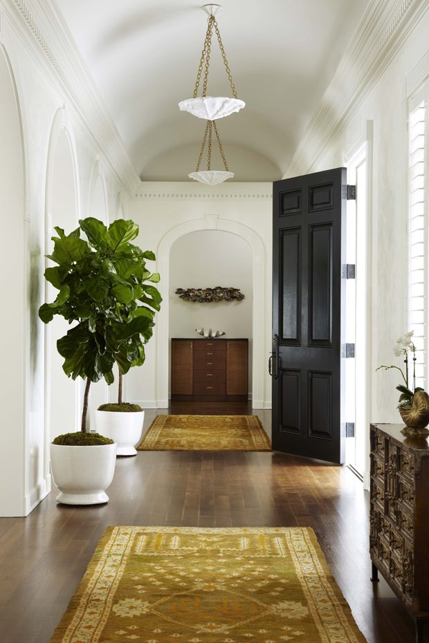 faux fiddle leaf entryway