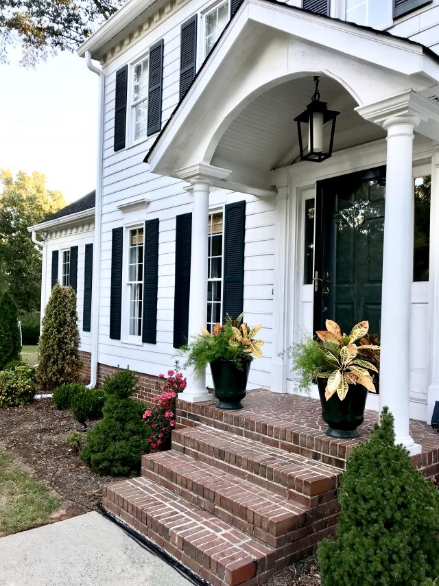 Fall-colonial-house
