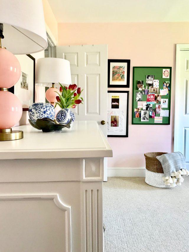 girls pink bedroom