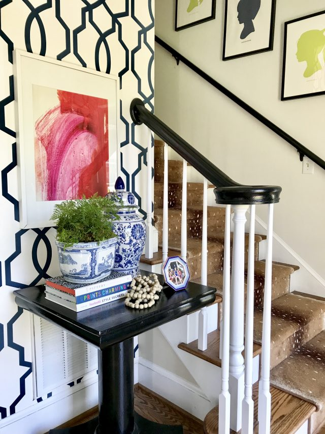 abstract-art-entryway-styling