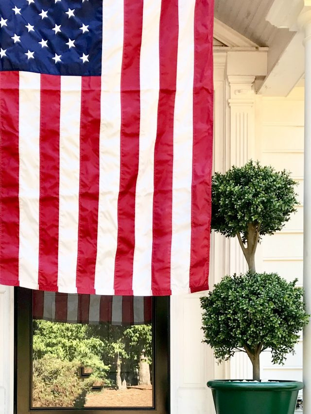 American-flag-4th-of-July-decorating