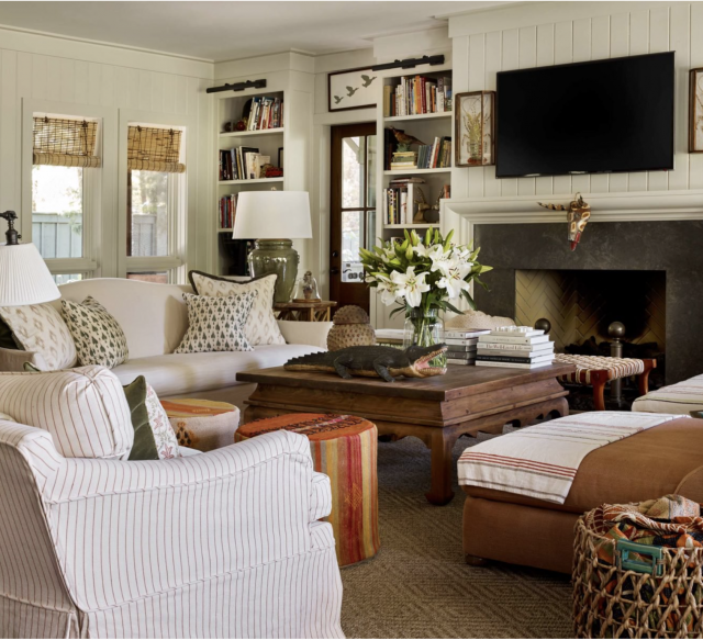 Florida-home-neutral-living-room
