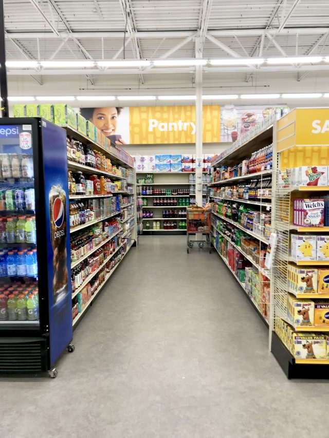 wide-aisles-Big-Lots