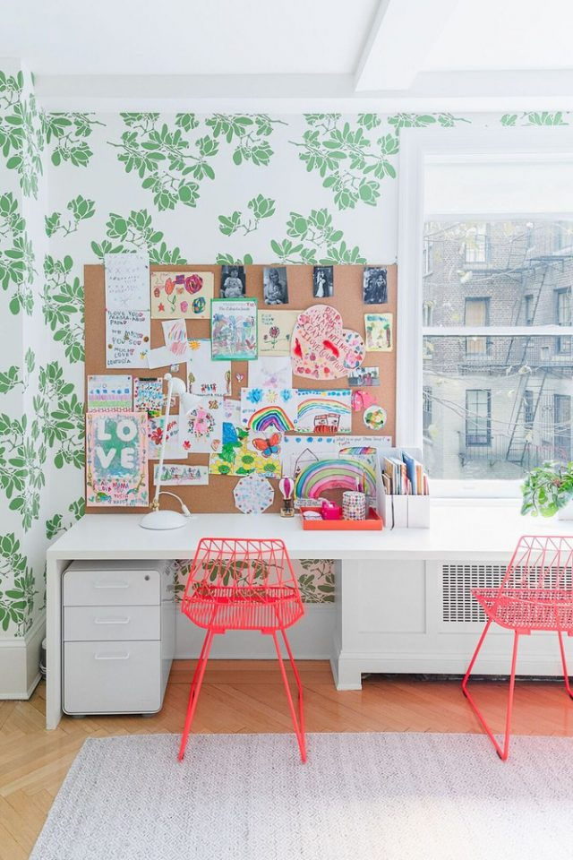 kids homework desk area wallpaper e1537368929323