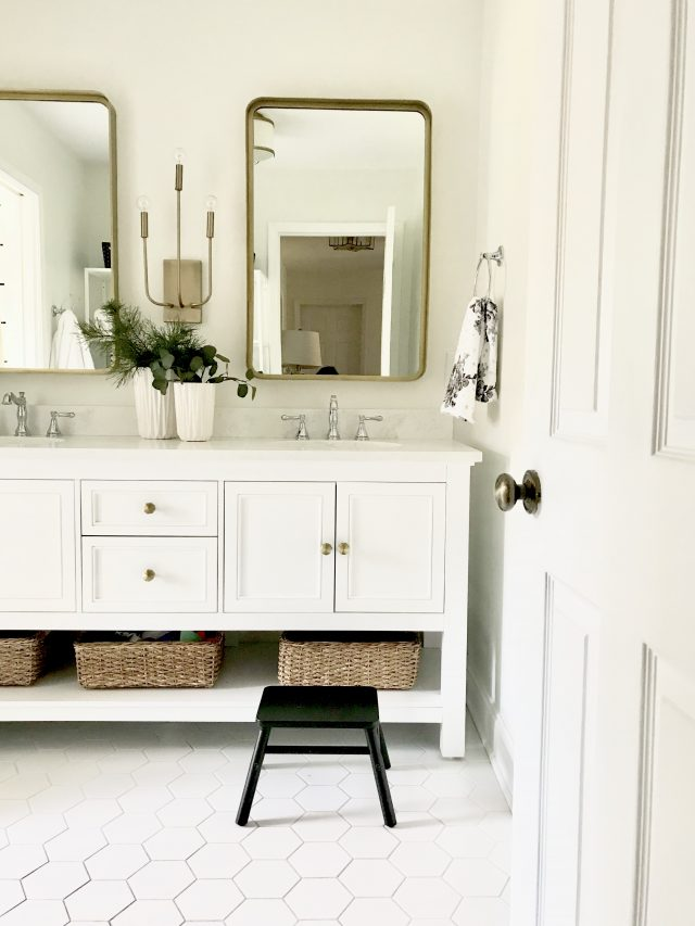 white-guest-bathroom-holiday-ready