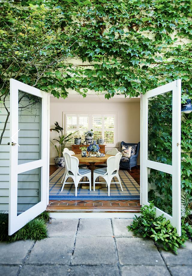 blue-white-designer-portfolio-MaineHouse-Interiors
