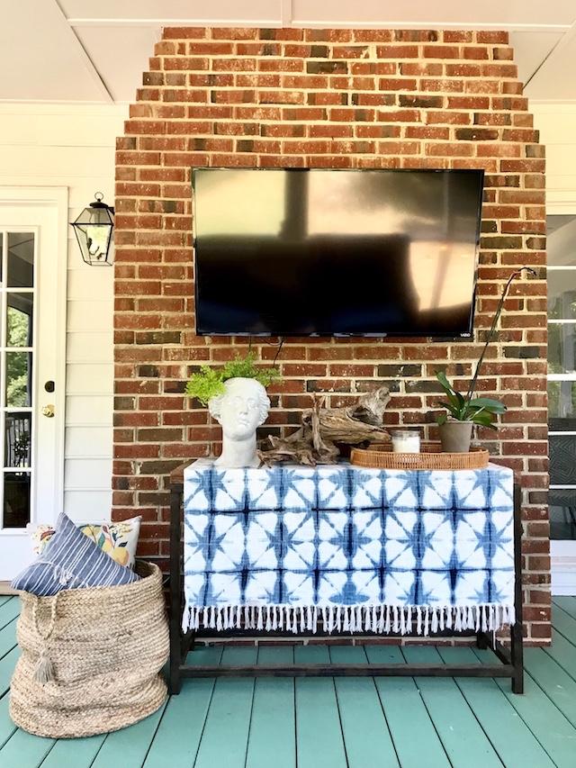 Cozy-Texture-Decor-Screened-Porch