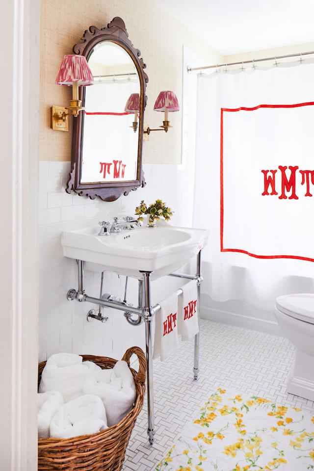 colorful-cottage-red-white-bathroom
