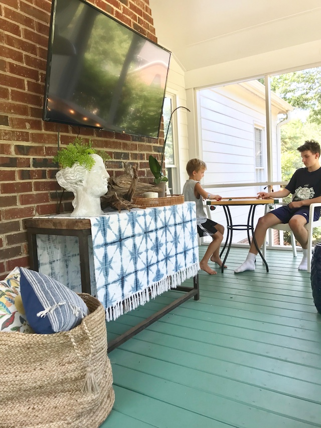 game-table-screened-porch-decor