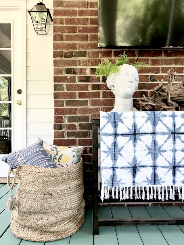natural-basket-Walmart-porch-decor
