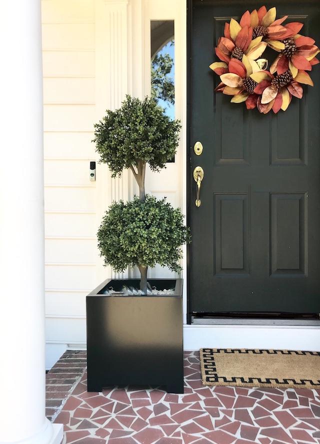 Fall-entryway-update-wreath-front-door
