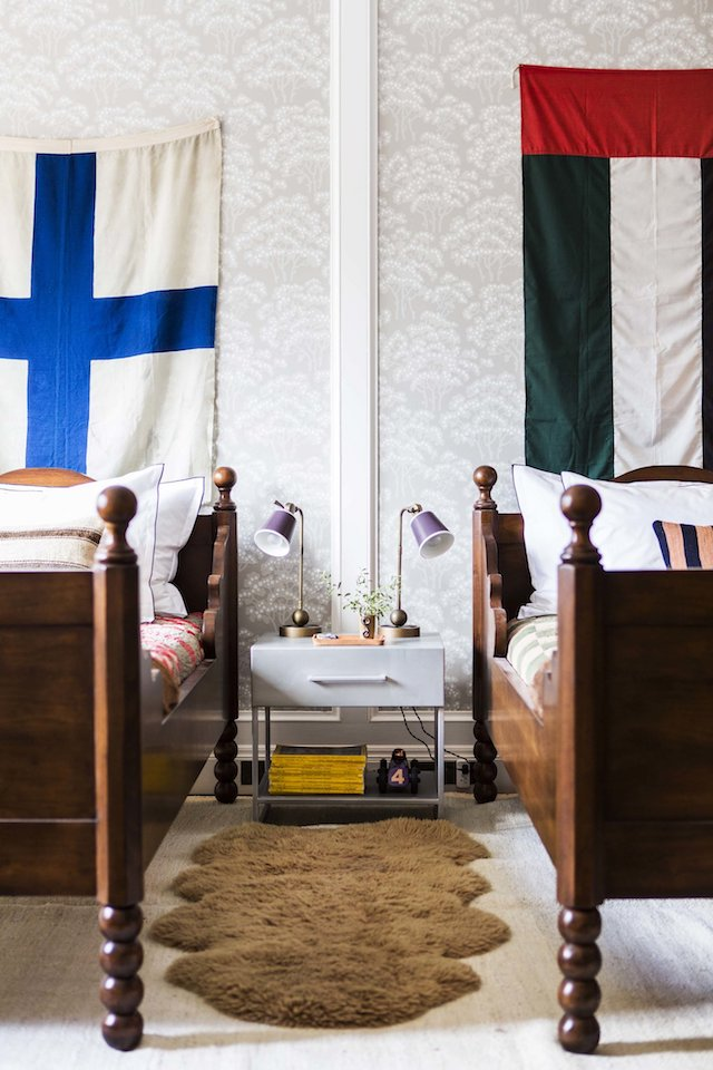 flags-above-twin-beds-kids-room