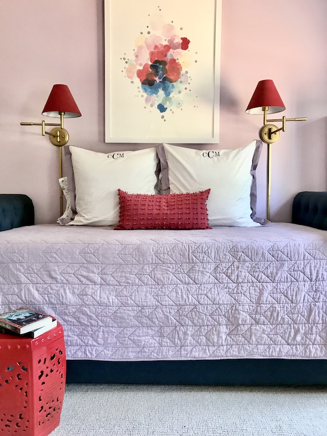 girls-bedroom-lavender-red-bedding-trundle-bed-abstract-art