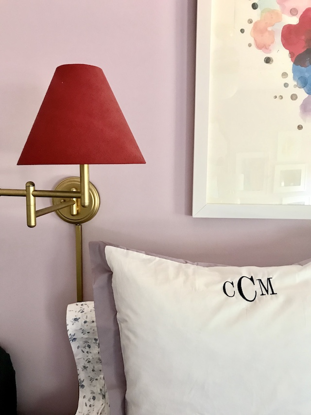 girls-bedroom-lavender-red-wall-lamps