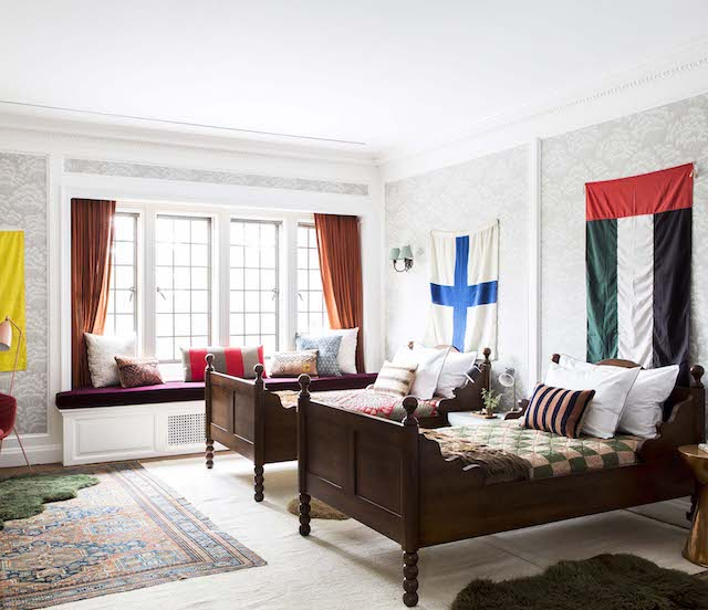 twin-beds-flags-kid-spaces