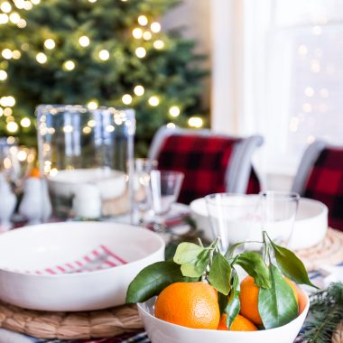 Classic_Christmas_Decorating_Styling_Simplified