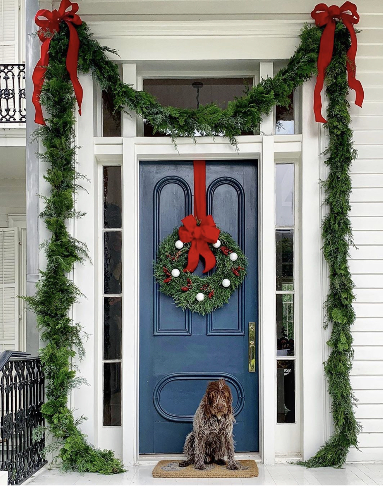 Christmas-decorating-front-door