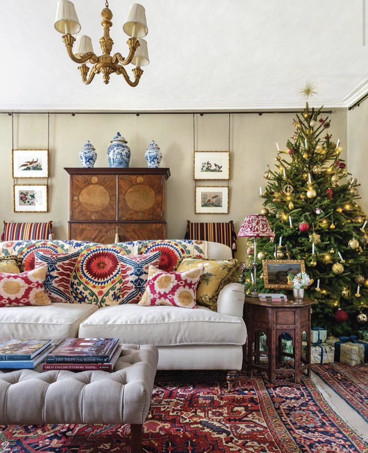 Insta-Inspiration: Christmas Decorating - Emily A. Clark