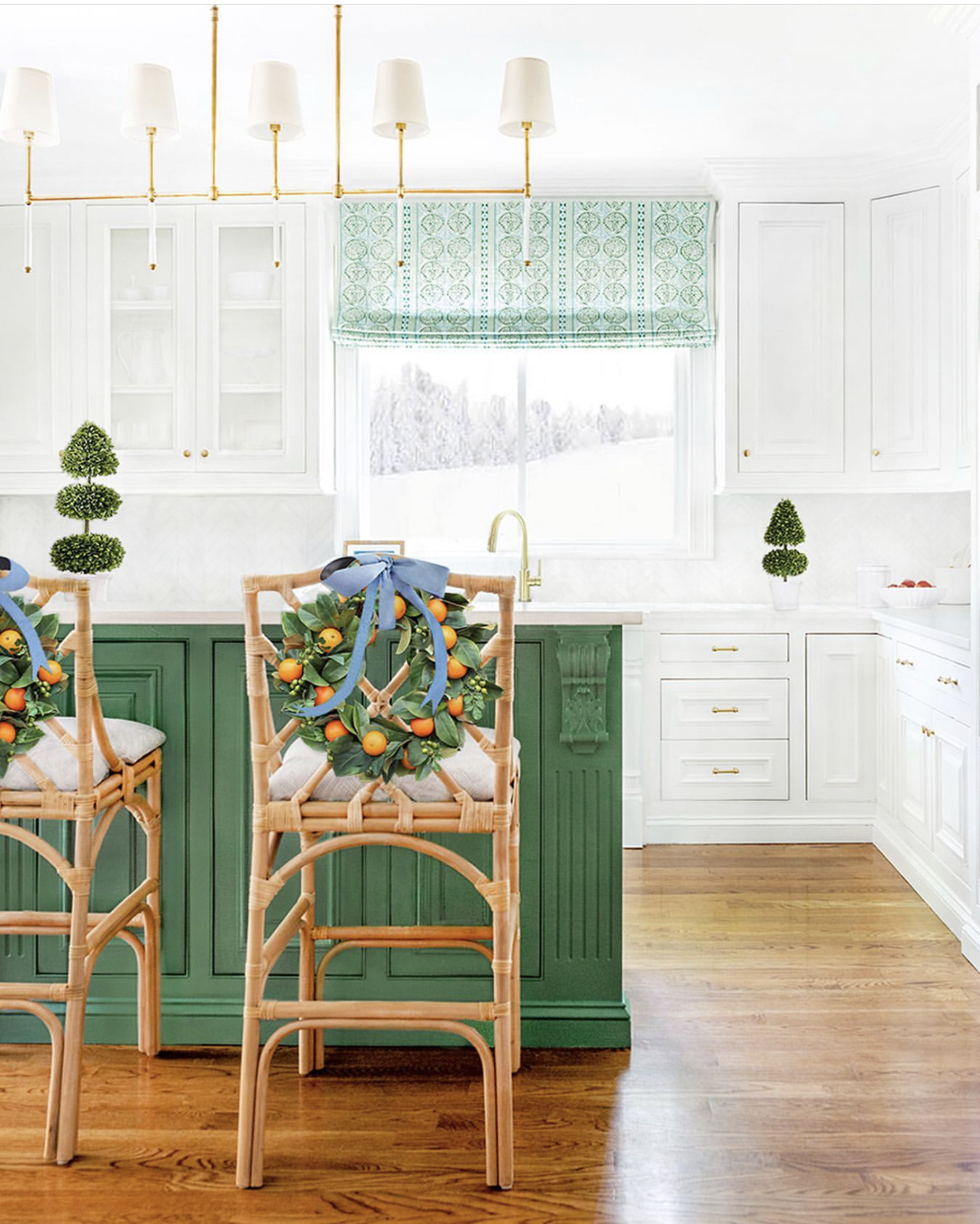 Christmas-kitchen-Leslee-Mitchell-Photographer